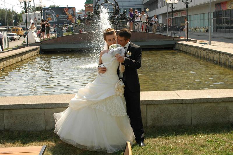 Продам: продам свадебное платье в ульяновске - Купить: продам